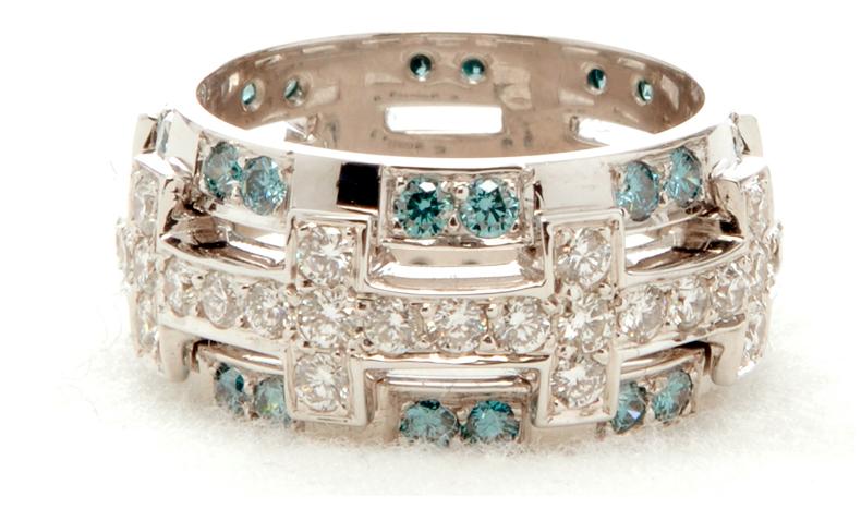 Ювелирное украшение, кольцо с бриллиантами фото