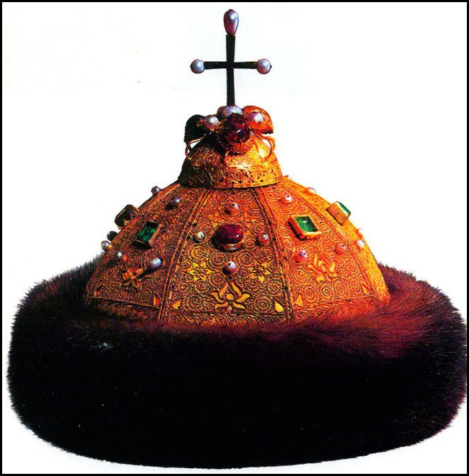 Золотая женская шапка - Шапка Мономаха