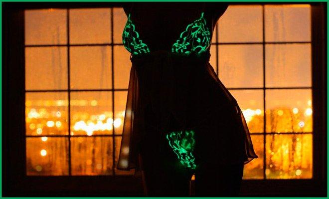 Необычное белье, светящееся белье