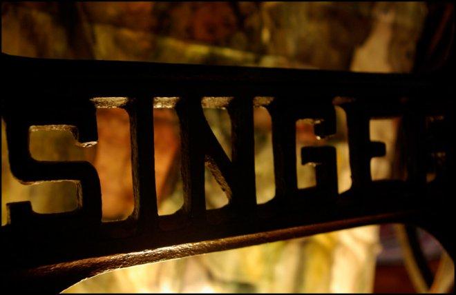 Машинка Зингер – история в фотографиях