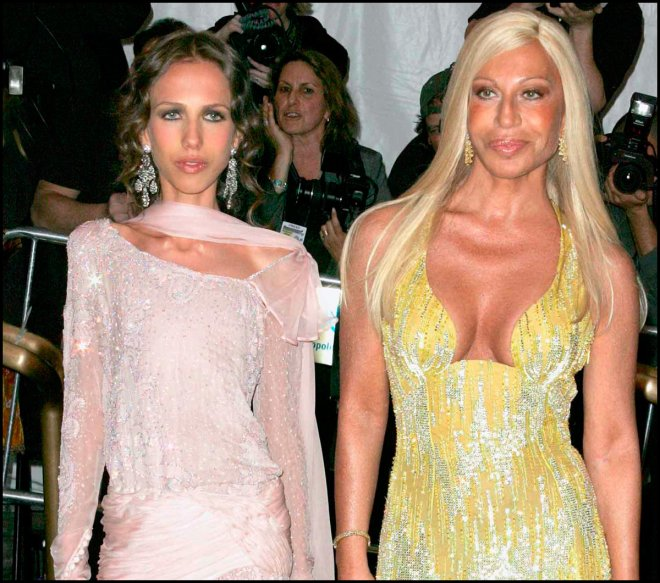 Донателла и Аллегра Версаче