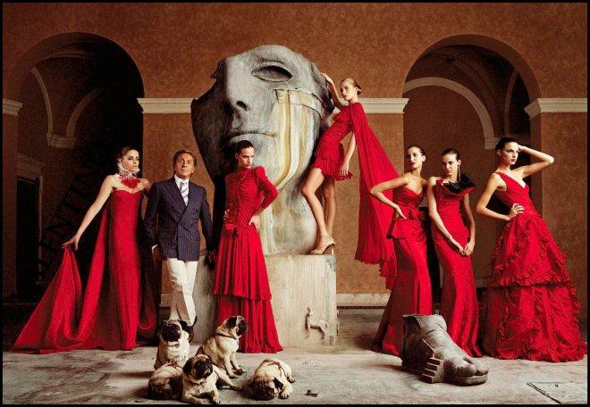 Парфюм, платья и сумки от Валентино