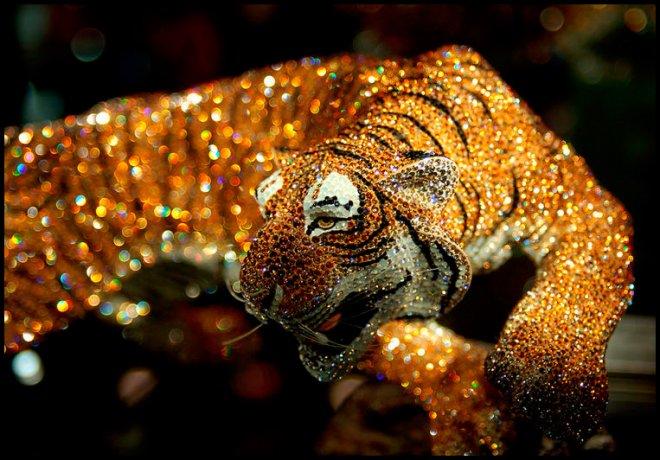 тигр с кристаллами Сваровски