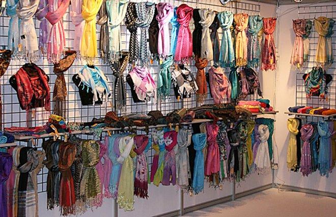 Как выбрать и купить красивый шарф для девушки