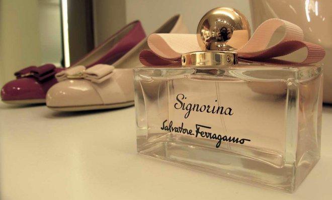 Духи Salvatore Ferragamo Signorina от Софи Лаббе