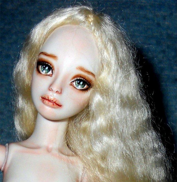 Кукла красавица из фарфора