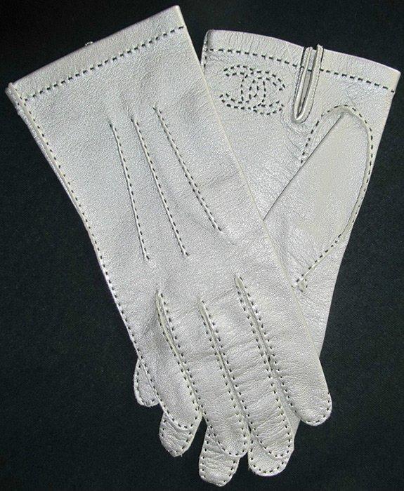 Кожаные перчатки Шанель