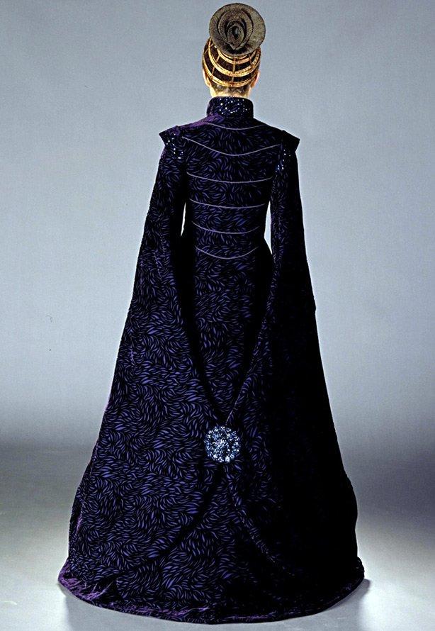 Королевское платье, спина фото