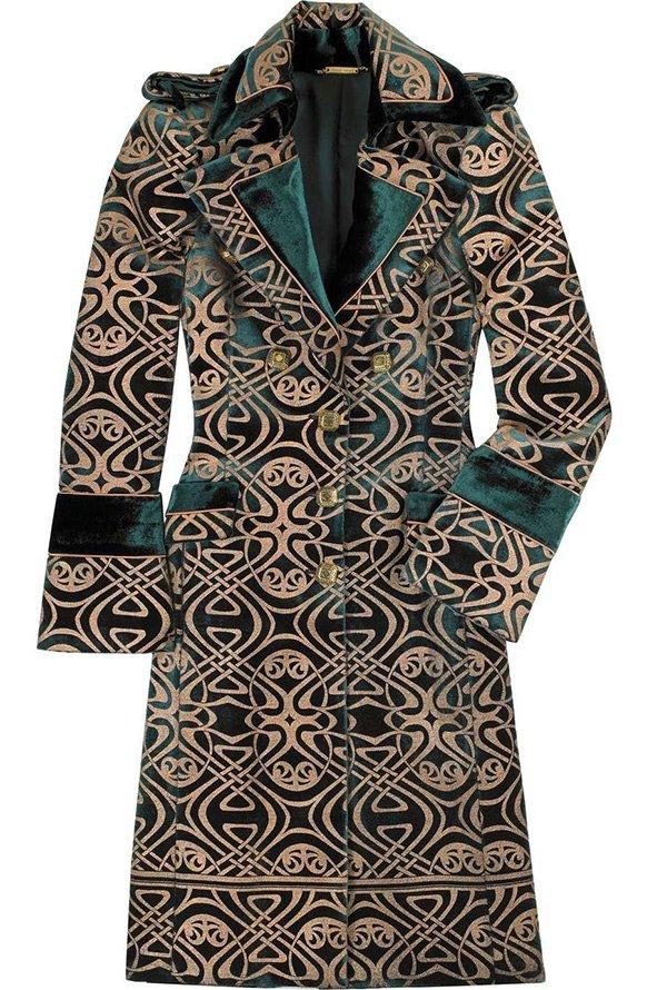 Роскошное пальто из парчи