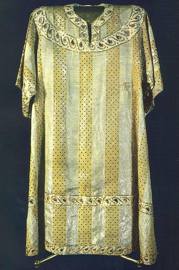 Ткань парча и история костюма
