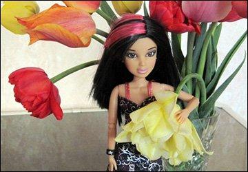 Куклы и цветы