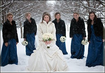 Зимние свадебные накидки из меха и ткани