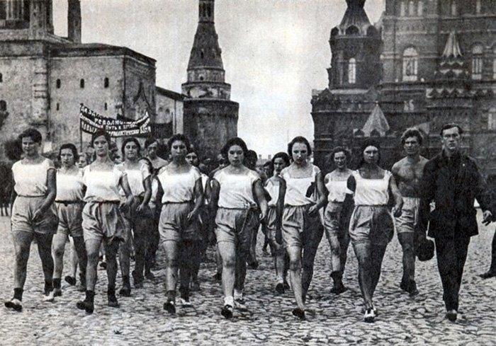 Женщины в СССР, фото на красной площади