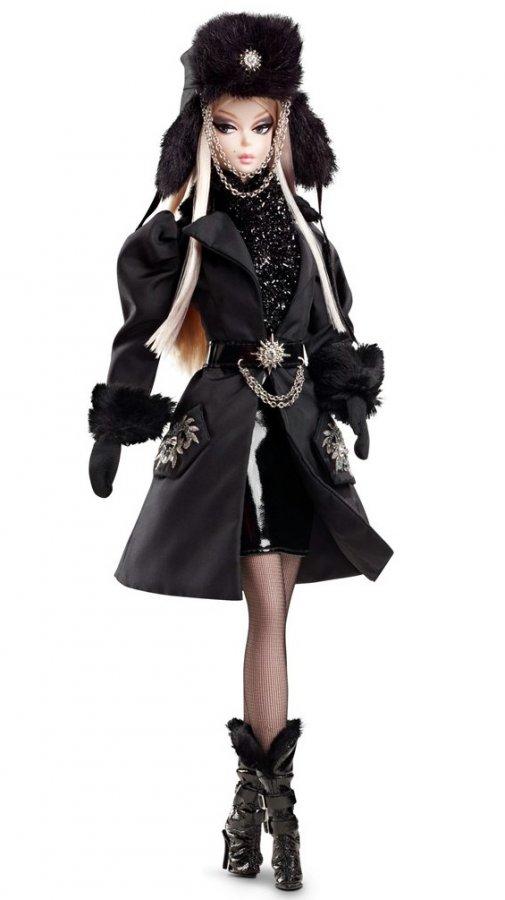 Модная кукла Барби в шапке