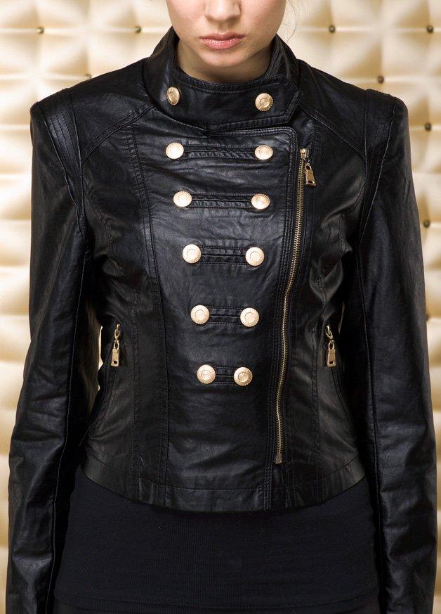Женская куртка их экокожи, фото
