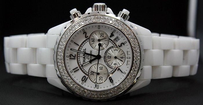 Женские наручные часы от Шанель фото