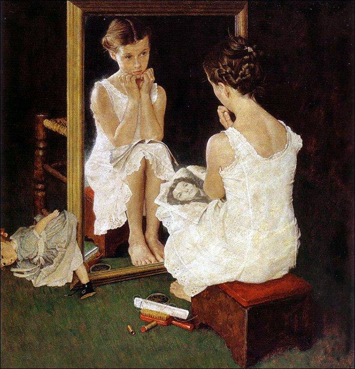 девушка с журналом возле зеркала