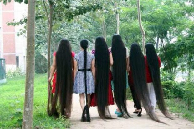 Девушки с длинными волосами фото