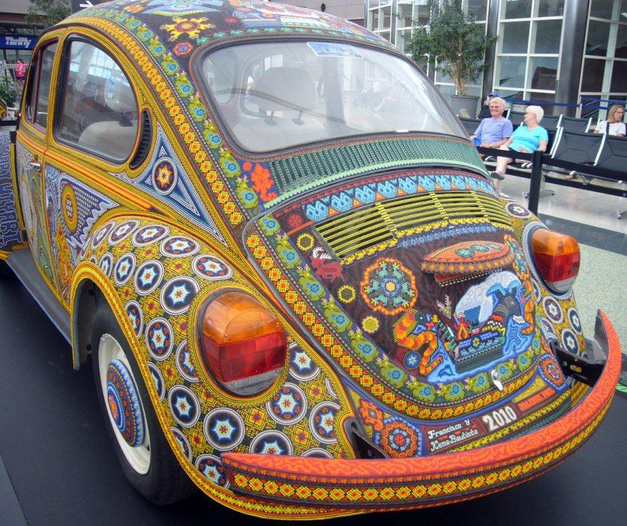 Автомобиль украшенный бисером фото
