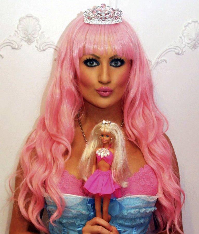 Девушка в стиле Барби фото шарлотты