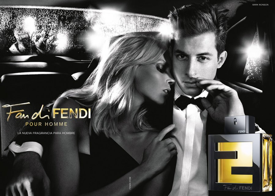 Рекламная компания парфюмерии от Fendi