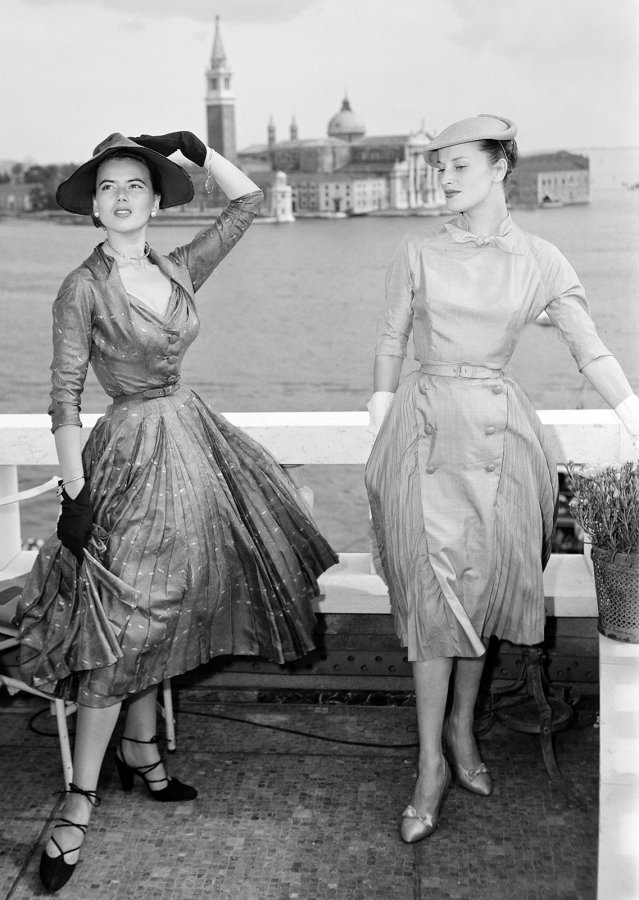 Платья и модели из коллекции Christian Dior, фото