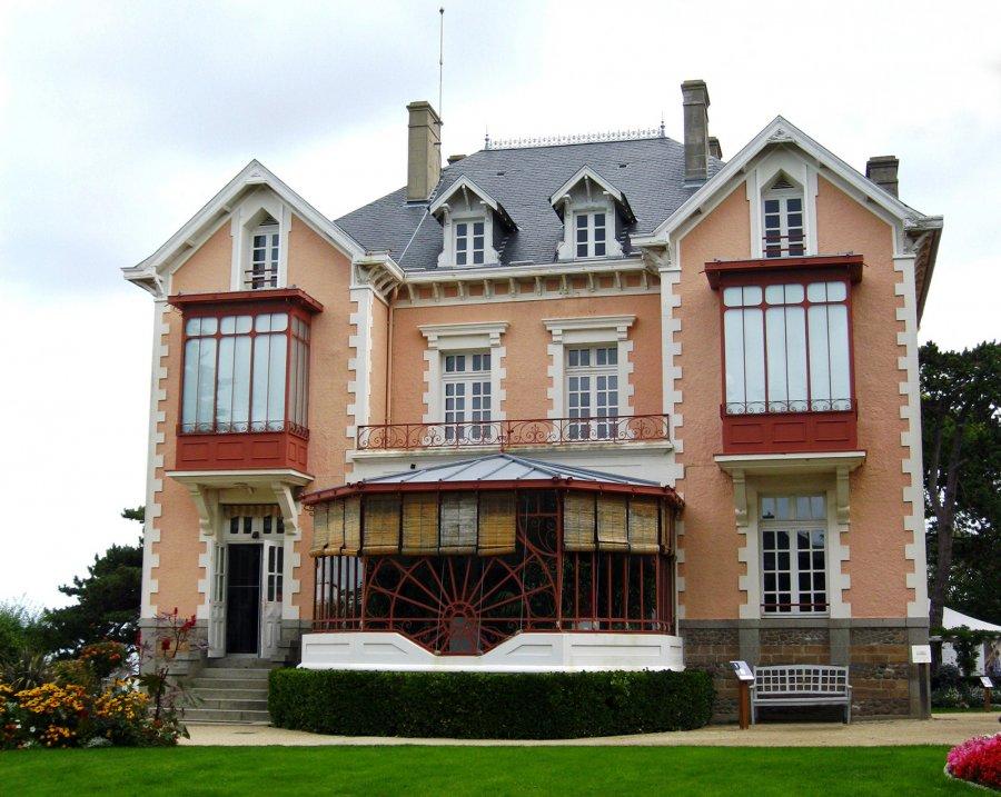 Дом Кристиана Диора в Нормандии, фото