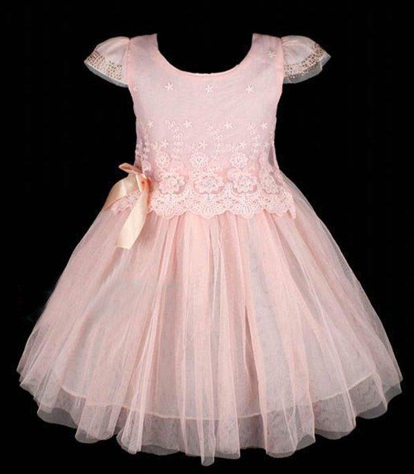 Нарядное детское платье с кружевом
