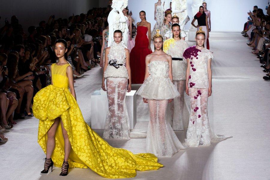 Платья от Джанбаттиста Валли фото