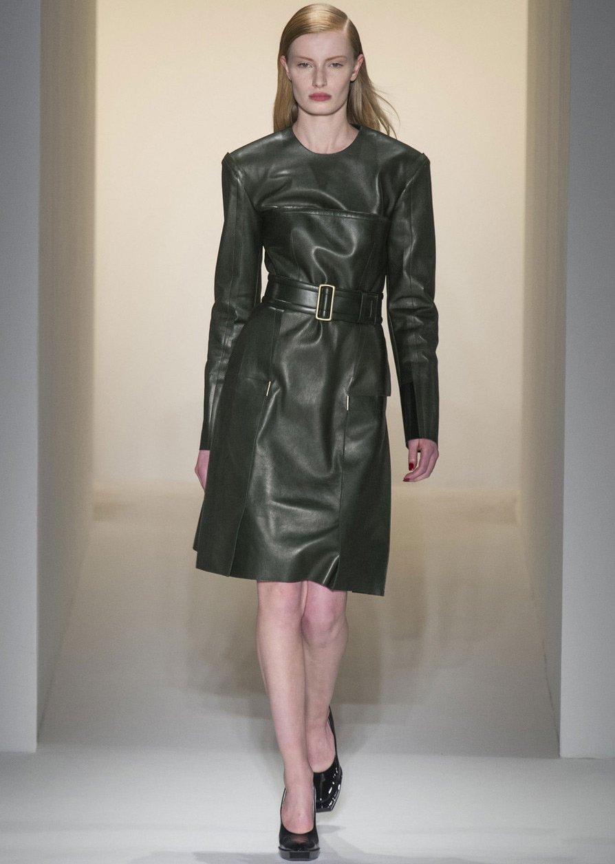 Кожаные платья и платья эмитирующие кожу