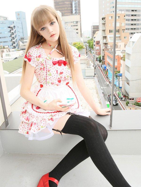 Девочка кукла, фото