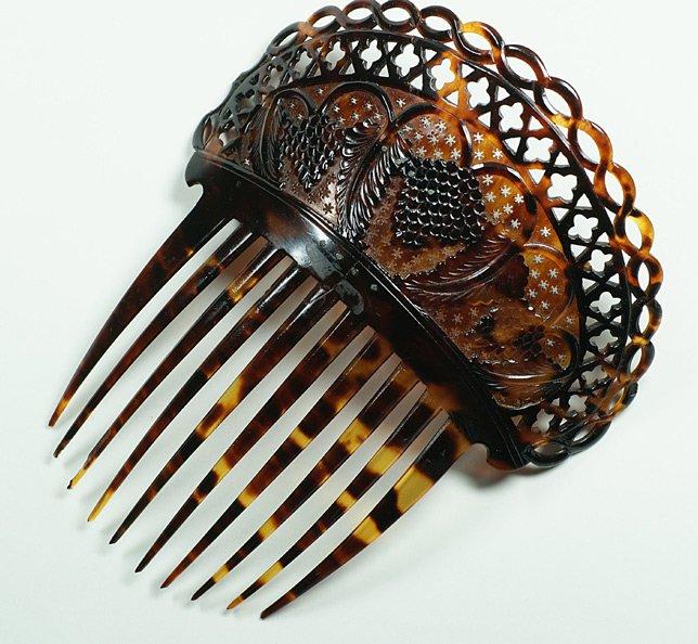 Красивый гребень для волос