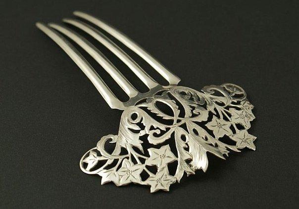 Антикварный металлический гребень, фото
