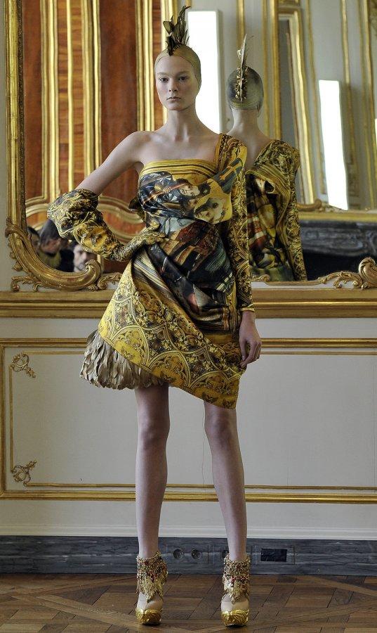 Платье из коллекции Alexander McQueen