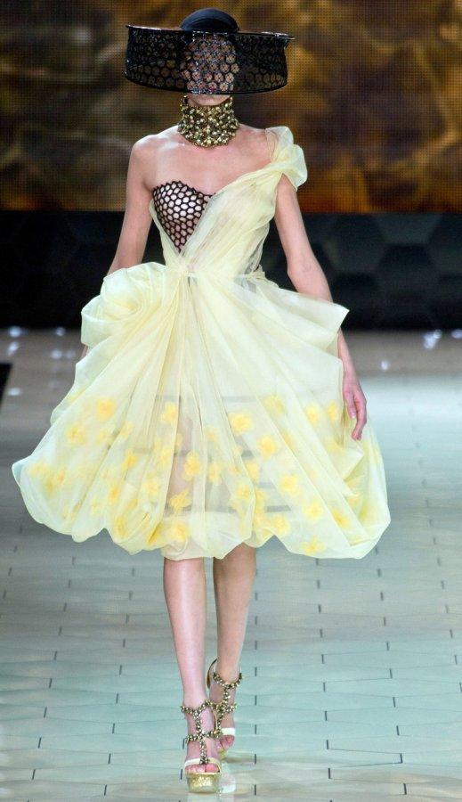 Платье Alexander McQueen, фото