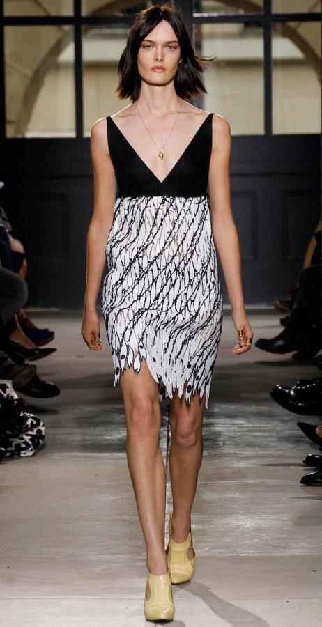 Платье баленсиага стать моделью веб чата