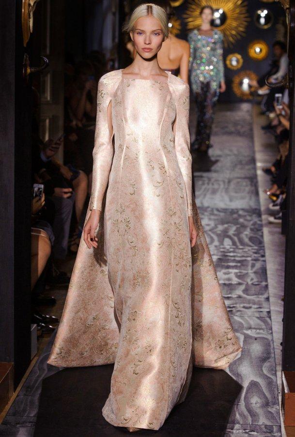Модное платье Valentino, фото