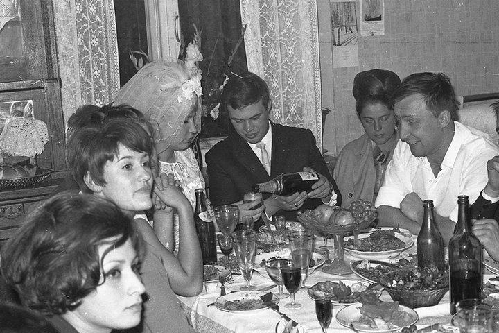 Свадебный стол в СССР, фото