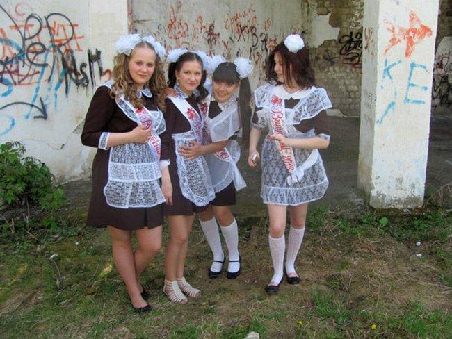 Девушки – школьницы, фото