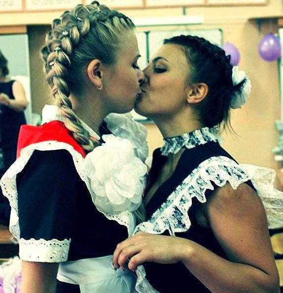 Красивые школьницы, фото