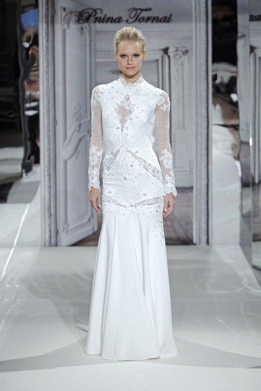 Закрытое свадебное платье, фото