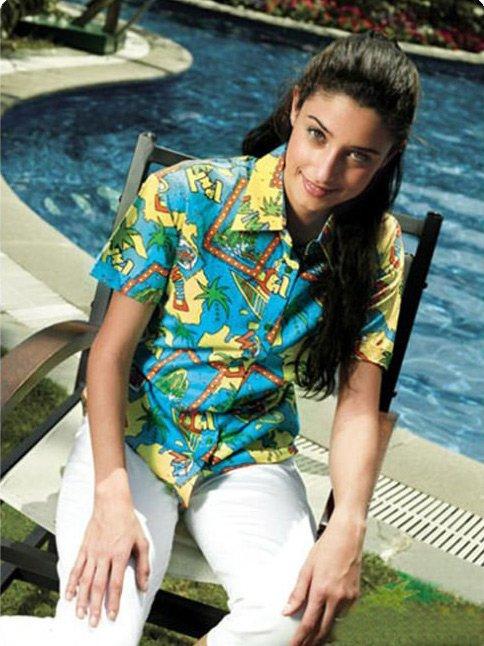 Фото девушки в гавайской рубке