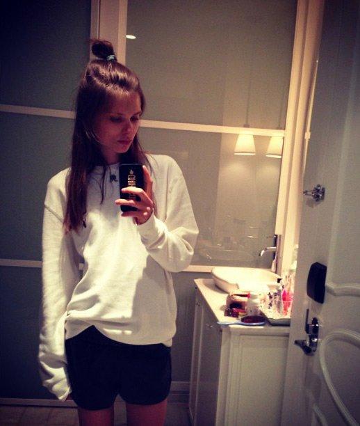 Топ-модель Caroline Brasch Nielsen, фото на телефон