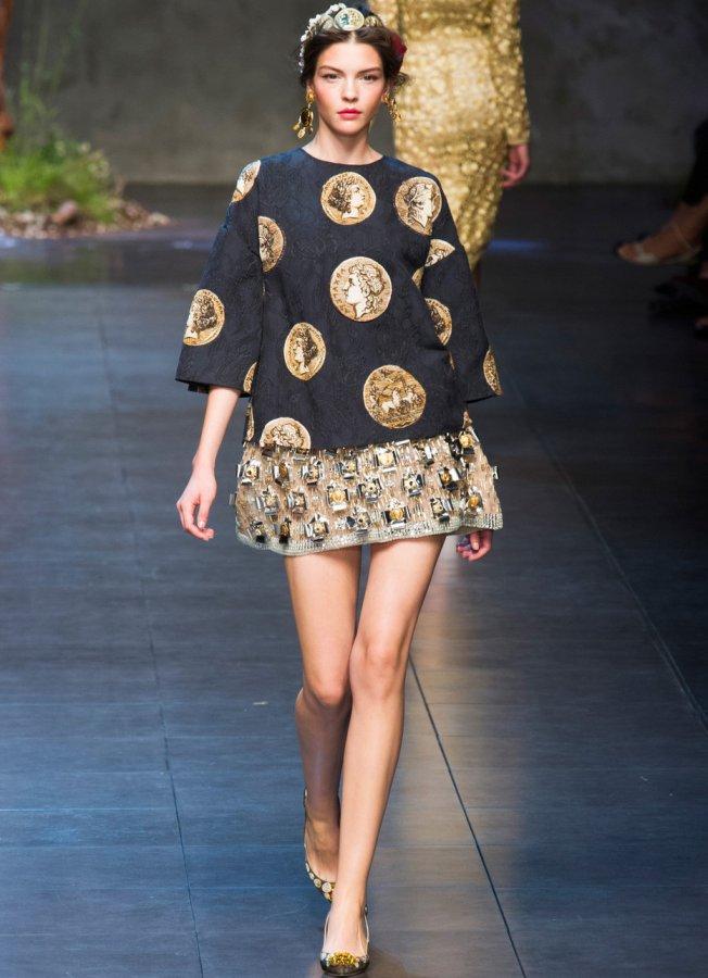 Dolce gabbana платье с сакурой