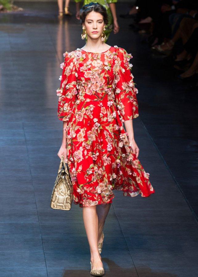 Платье с объемными цветами, фото