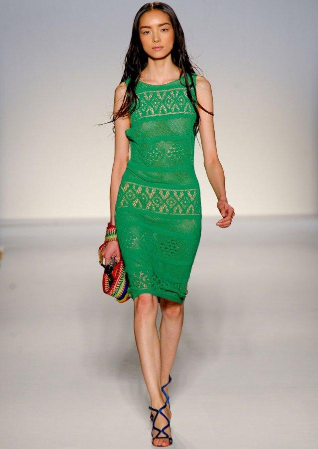 Изумрудно зеленое платье, фото