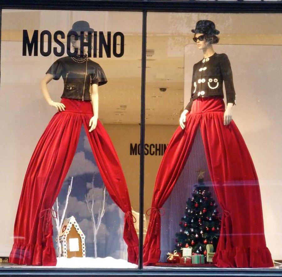Бутик Moschino, фото витрины