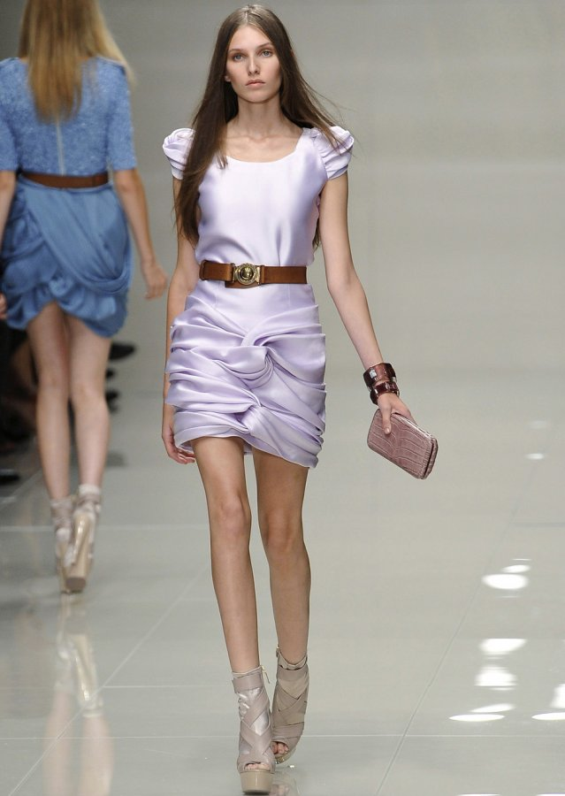 Платье от бренда Burberry, фото