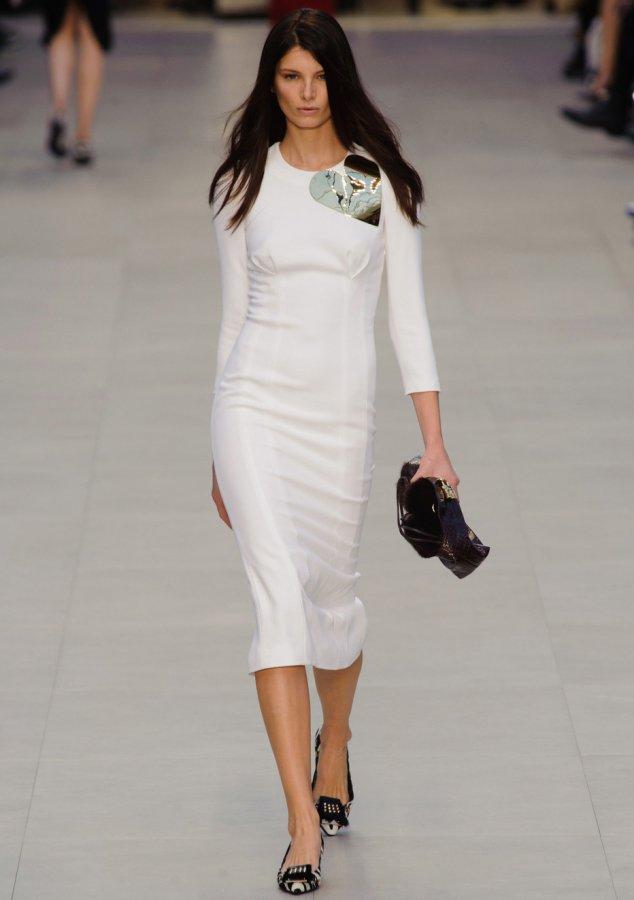 Белое платье Burberry, фото