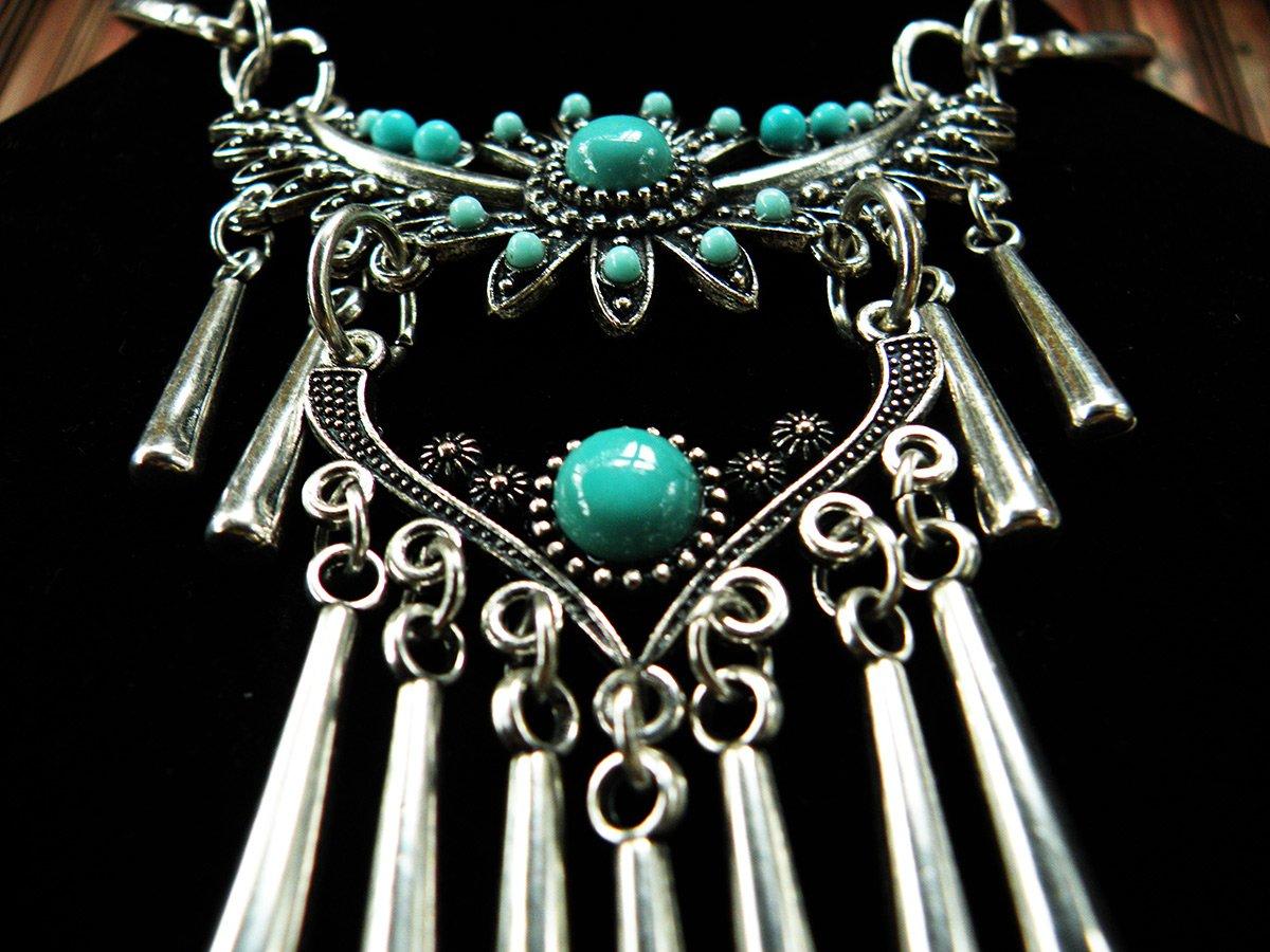 Красивые крупные ожерелья и мода на ювелирные украшения 0da099c58d2